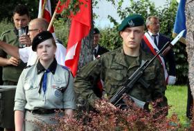 Warta honorowa podczas uroczystości 73. rocznuicy Postania Warszawskiego